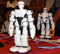 人型エンターテイメントロボット『MI・RAI−RT』